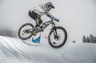 Boardercross Bike Race